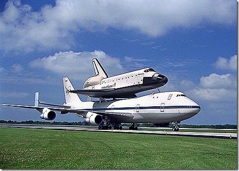 Shuttle on 747